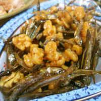 Fragrant Tazukuri - Sweet-savory crunchy tiny sardines