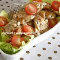 Garlic and Pepper Seasoned Chicken Breast with Lemon