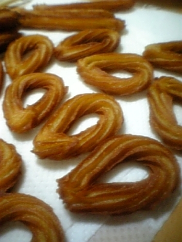 Churros Dough Made in the Microwave with Soy Milk and Brown Sugar (Japanese-Style Flavors)