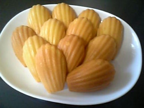 Simple and Delicious Madeleine