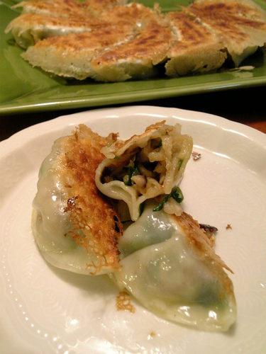 [Meat-Free] Pan-fried Gyoza with Kiriboshi Daikon