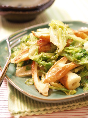 Chikuwa and Cabbage Mayonnaise and Curry Stir Fry