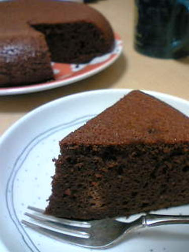 Ultra Easy Chocolate Cake in a Rice Cooker