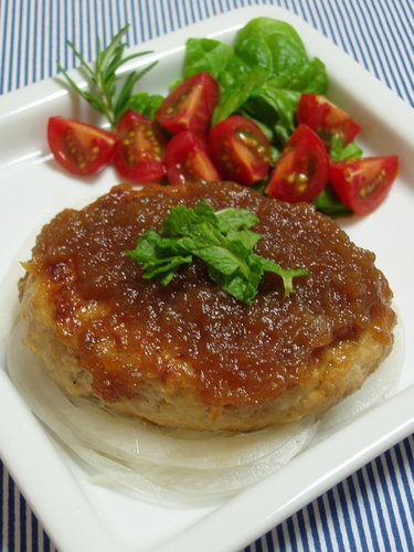 Hamburger Meat with Grated Sweet Onions