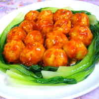 Shrimp-Chicken Meatballs in Chili Sauce