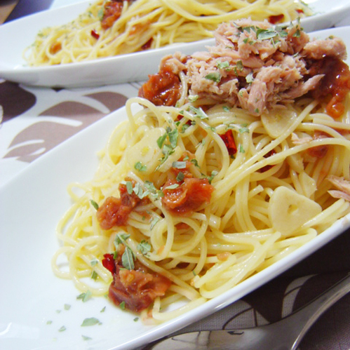 Fragrant with Garlic! Umeboshi and Tuna Aglio, Olio e Peperoncino