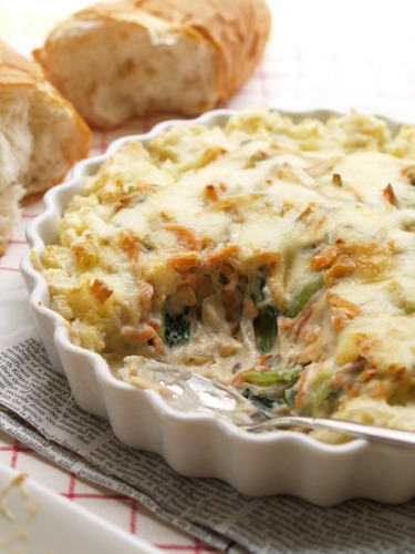 Japanese-style Salmon Gratin Baked in Mashed Potatoes