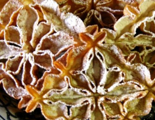 Khatoon (Nan) Panjereh (Persian Dessert)