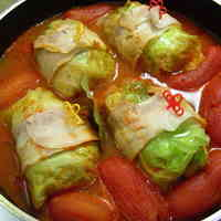 Packed with Whole Tomatoes! Hot and Comforting Cabbage Rolls