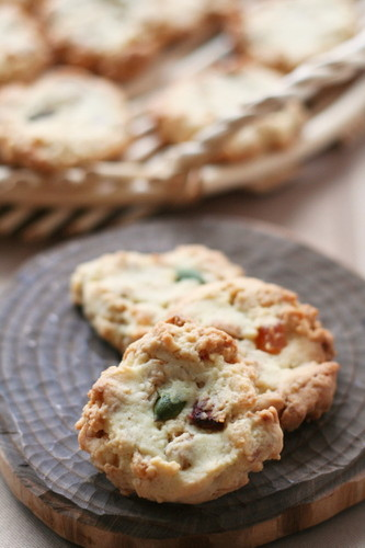 Simple Granola Cookies