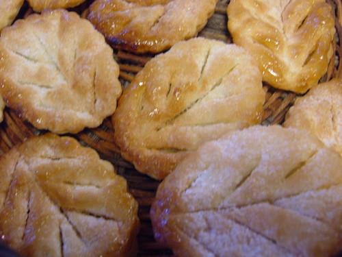 Leaf Pies