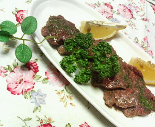 Bite-Size Beef Steak with Garlic Soy Sauce