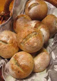 Petit Sesame Bread Rolls
