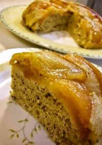 Oil-Free Tea and Apple Rice Cooker Cake