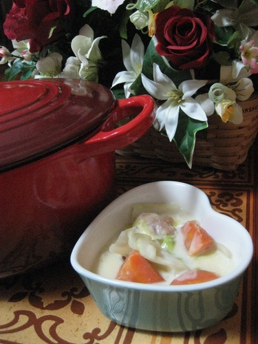 Easy Rich Cream Stew in a Le Creuset Pot