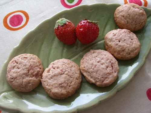 Chunky Strawberry Cookies