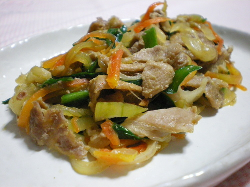Rich and Tasty Gochujang and Mayonnaise Flavored Pork and Vegetable Stir-Fry