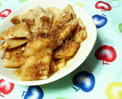 Fried Bamboo Shoots with Sweet and Savory Bonito Flakes