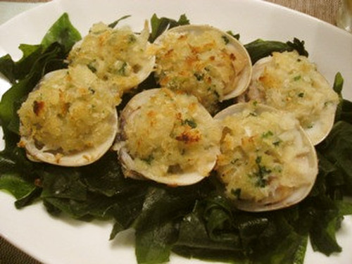Grilled Garlicky Breaded Hamaguri Clams