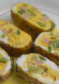 Tamagoyaki Japanese Omeletes for Bentos (Green Pepper and Ham)