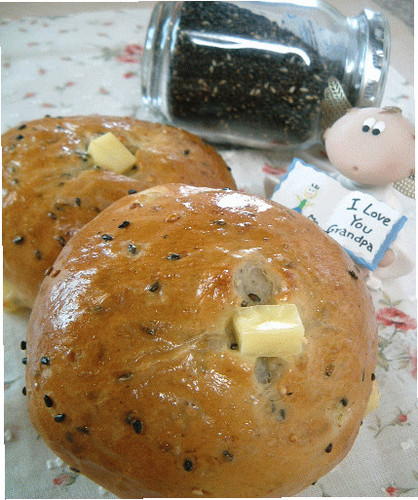 Sesame-Packed Rolls