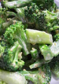 Namul-style Broccoli with Mayonnaise and Fish Sauce
