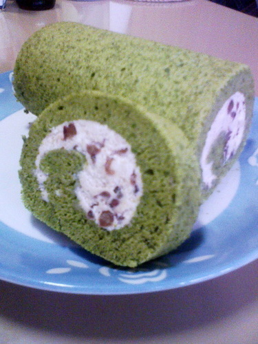 Easy & Fluffy Matcha Green Tea Chiffon Swiss Roll