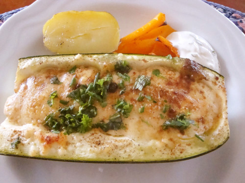 Oven-baked Courgettes with Cheese Sauce