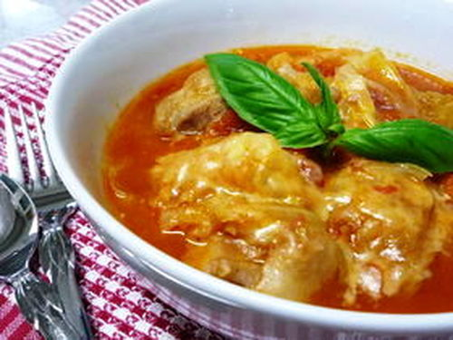 Chicken and Cabbage Simmered in Tomato Sauce