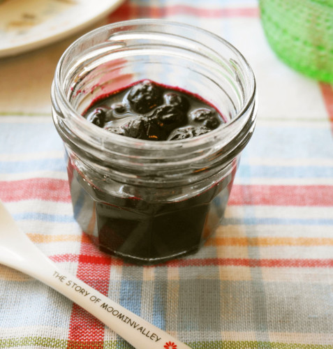Reduced Sugar Blueberry Jam Easily Made in the Microwave