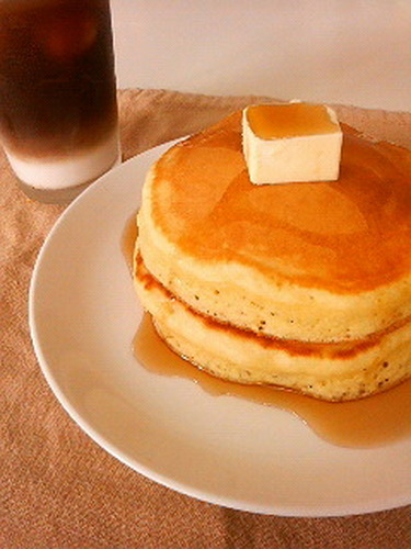 It Looks Like a Package Photo!? Thick Pancake