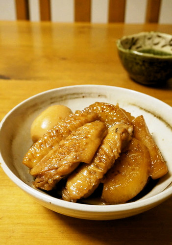 Stewed Chicken Wings and Daikon