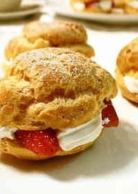 Microwave-Oven Cream Puffs
