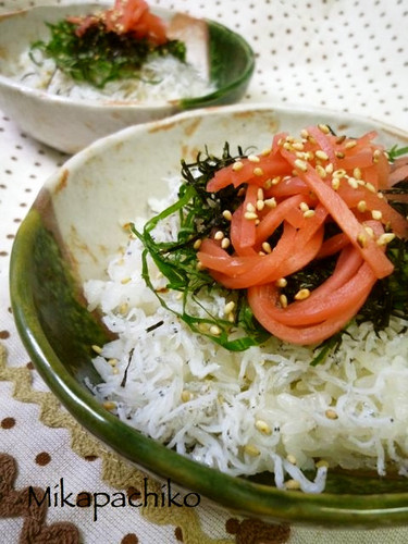 Easy and Totally Delicious Shirasu Rice Bowl