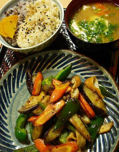 Macrobiotic Wheat Gluten and Vegetable Stir-fry