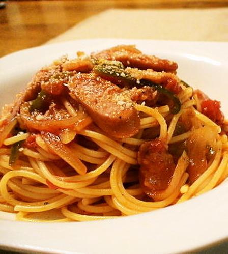 Tomato-Filled Napolitan Spaghetti for Lunch