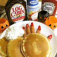 Realistic and Scary Halloween Breakfast