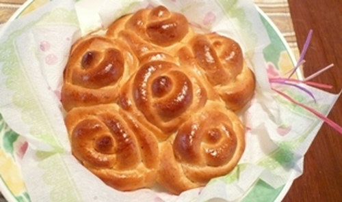 Bouquet of Roses Bread