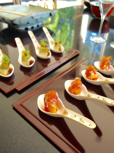 Persimmon and cured ham appetizer with a touch of yuzu