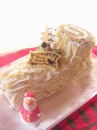 Snowy White Bûche de Noël (Yule Log)