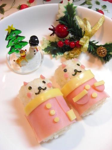 Santa Barrel Cats Character Bento
