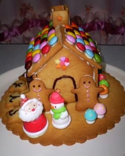 Cookie House For Christmas