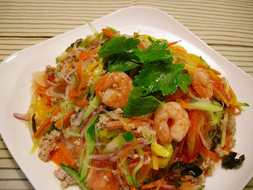 Yum Woon Sen (Thai Cellophane Noodle Salad)