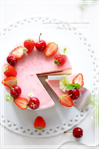 Strawberry Mousse and No-bake Cheesecake