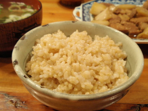 Fluffy and Chewy Brown Rice in a Pressure Cooker