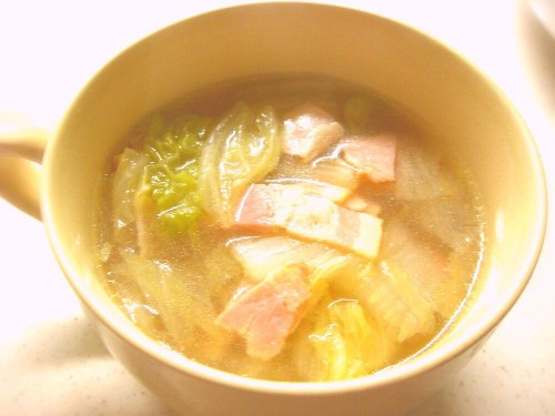 Super Simple Chinese Cabbage and Ginger Soup