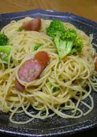 Pasta with Wiener Sausages and Broccoli