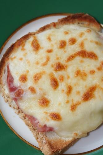 Easy Creamy Croque Monsieur-style Toast