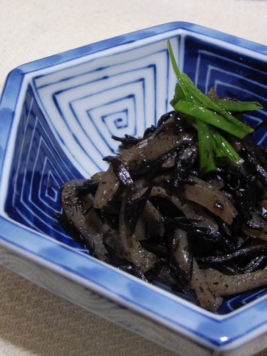 Macrobiotic Simmered Hijiki Seaweed and Konnyaku