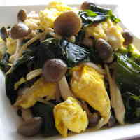 Stir-fried Mushroom, Seaweed, and Egg